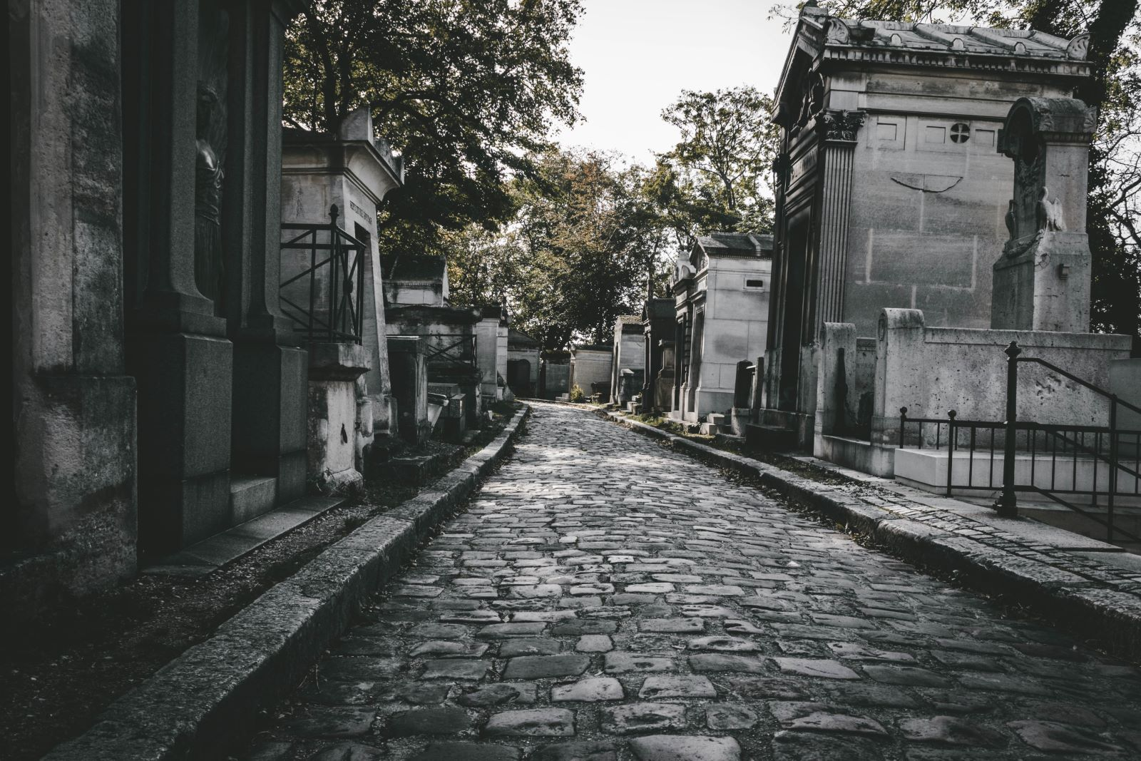 Organizacja pochówku w Warszawie krok po kroku